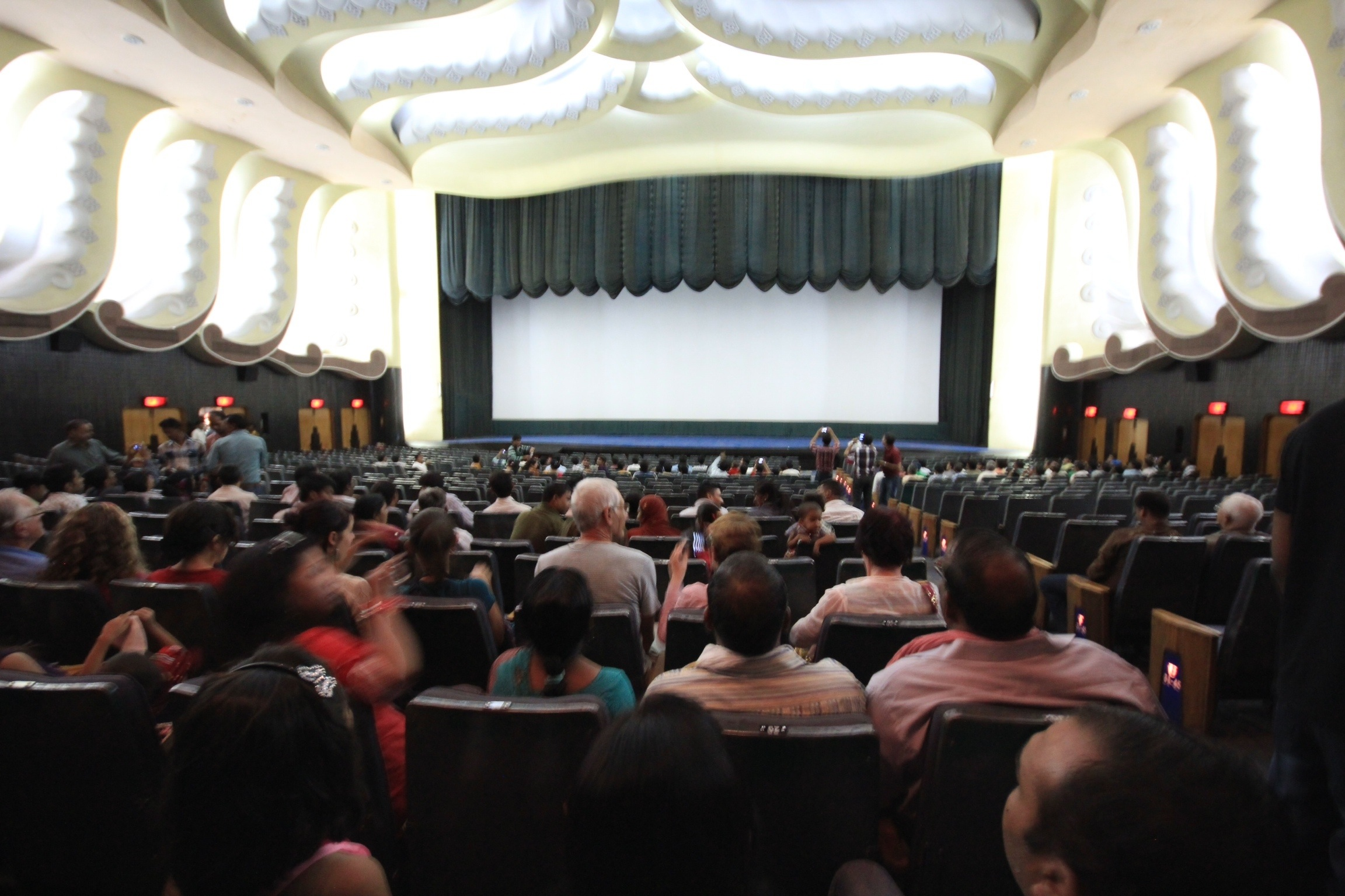 Movie night at the raj mandir 4 differences between the indian and raj mandir theater altavistaventures Images