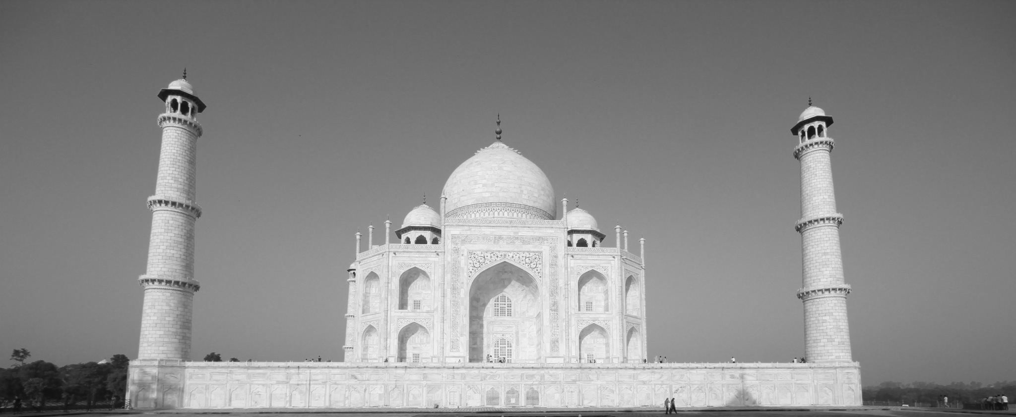 descriptive essay on taj mahal
