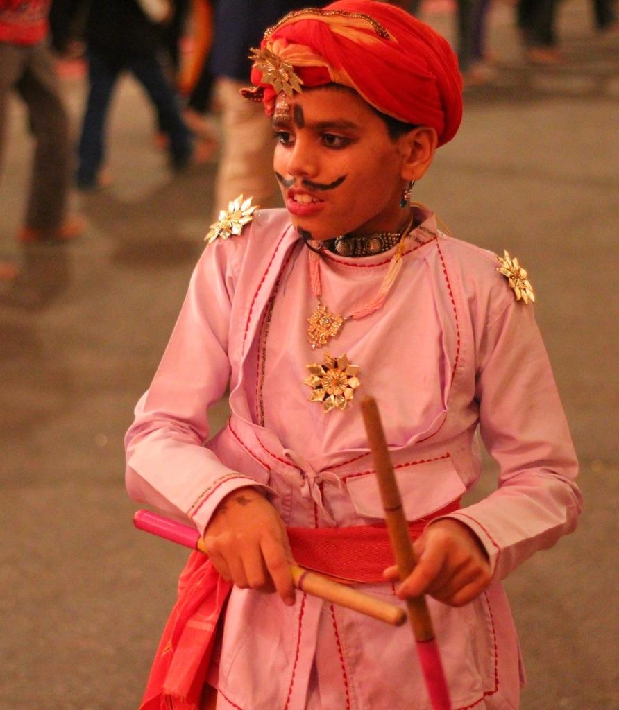 Child in costume at Navratri