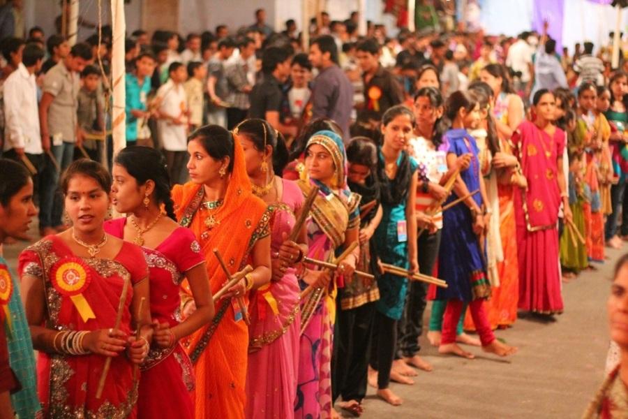 beautiful Indian women dancing