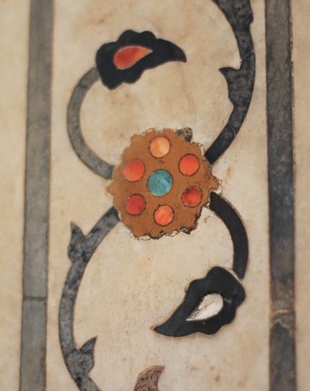Natural stone inlays in marble, Agra Fort