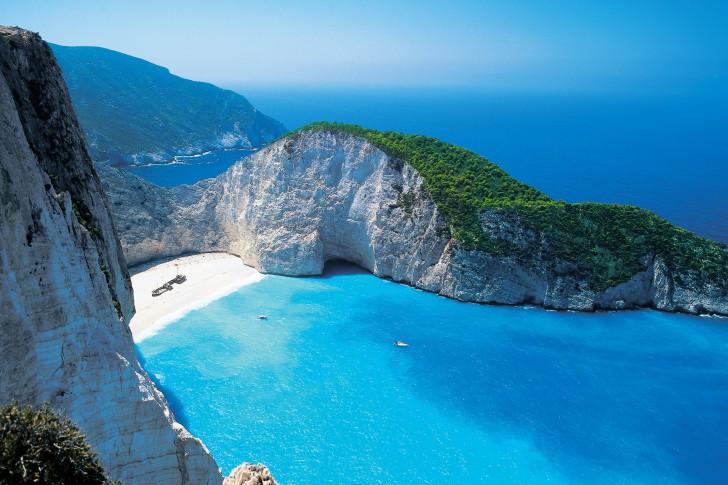 Shipwreck-beach-Zakynthos-Greece-485x728