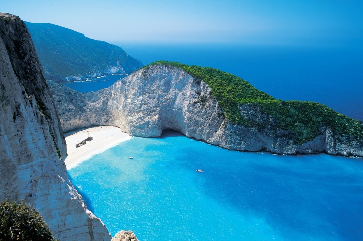 Shipwreck-beach-Zakynthos-Greece-485x728