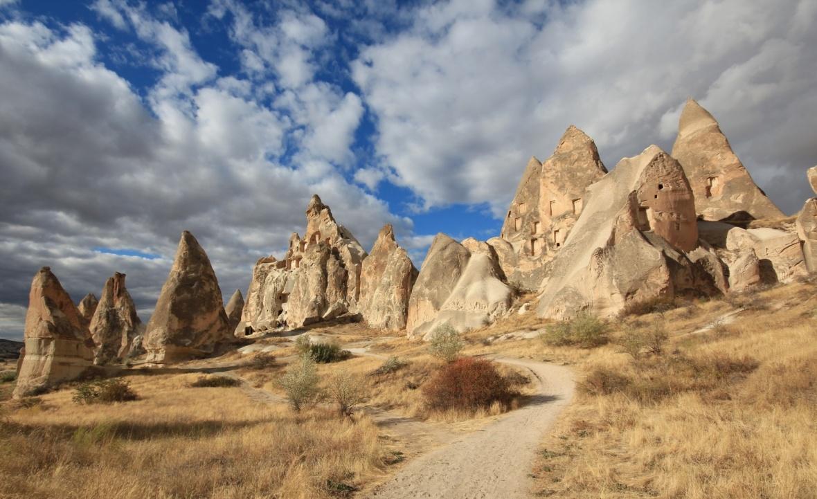 Red valley trail cappadocia goreme