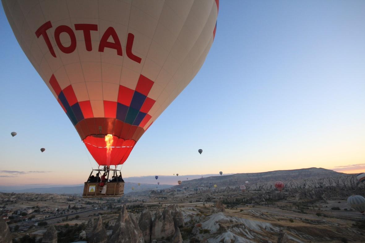 Cappadocia sunrise balloon
