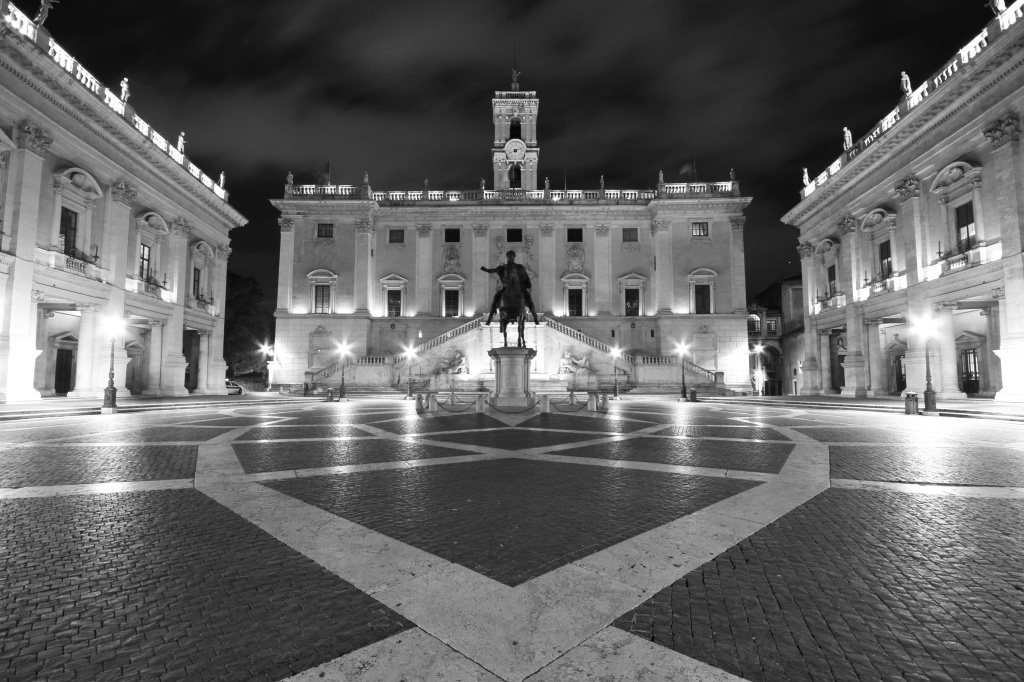 piazza del campidoglio at night black white