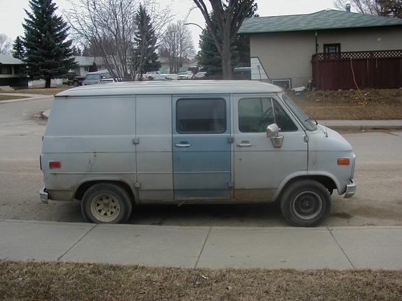 A van for photographing people kidnapper van