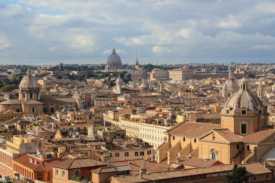 Rome view from atop Il Vittoriano