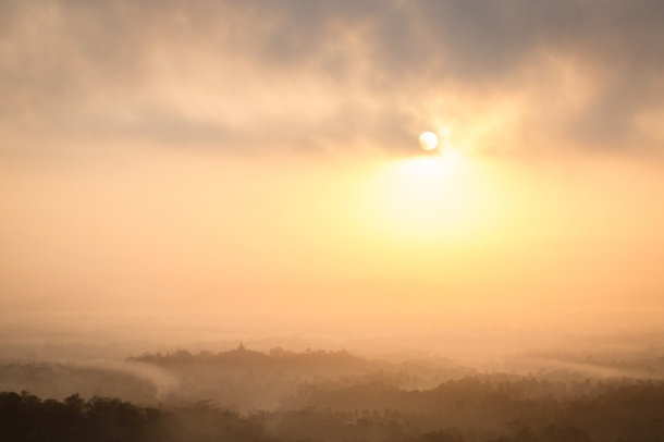 Punthuk Setumbu Hill at sunrise