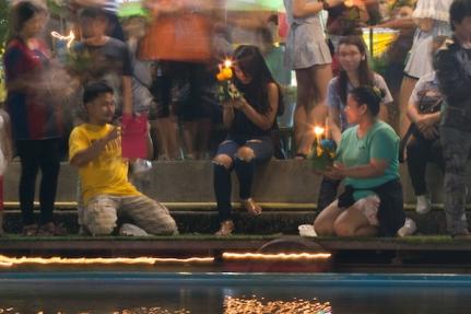 Loy Krathong photos with iPad