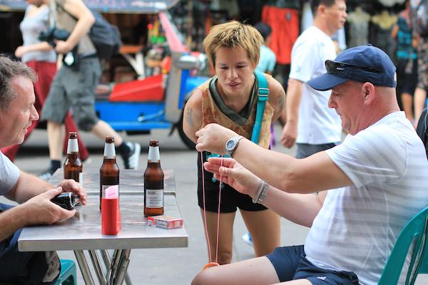 Tourist magician Khao San Road