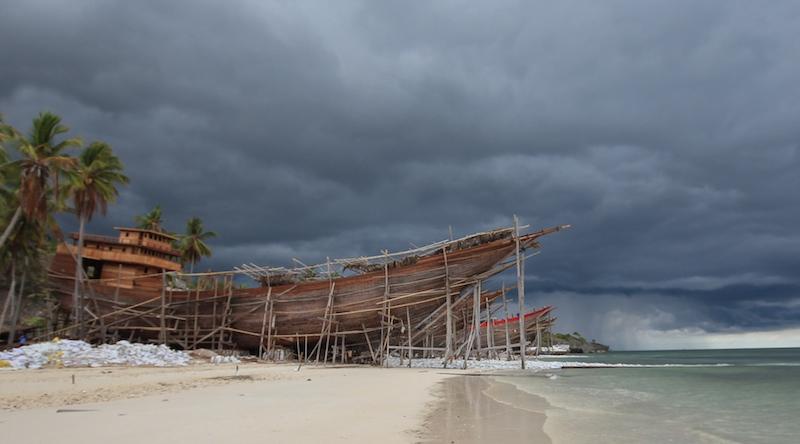 Boat Building Pantai Bira