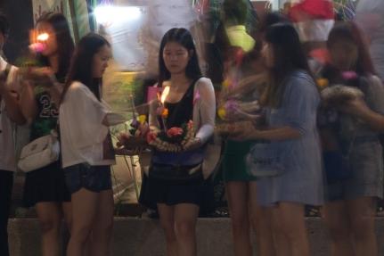 Thai girls at Loy Krathong