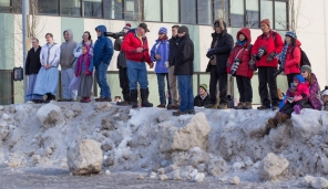 Spectators at the Iditarod