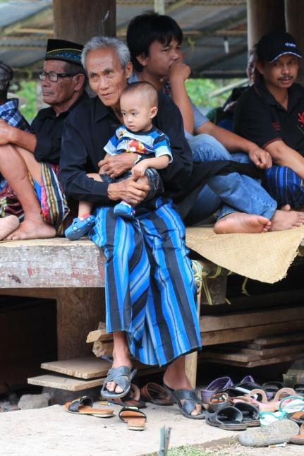 Toraja funeral spectators