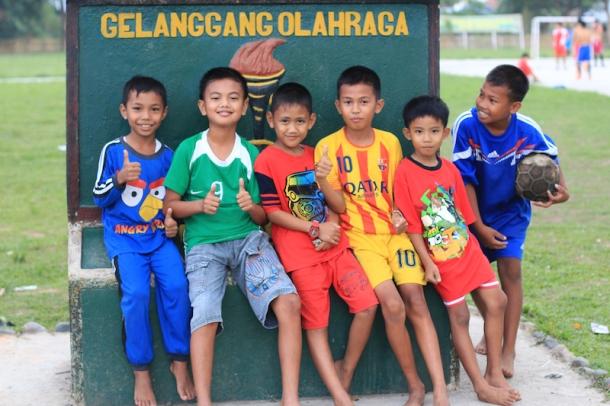 Indonesian school kids