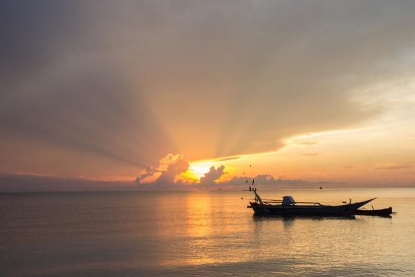 Pantai Bira, Indonesia