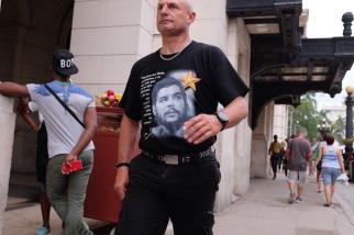 Che T-shirt in Havana