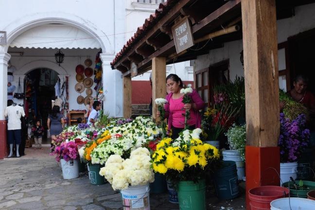 Cuetzalan flower market