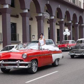 Classic car and bride Havana