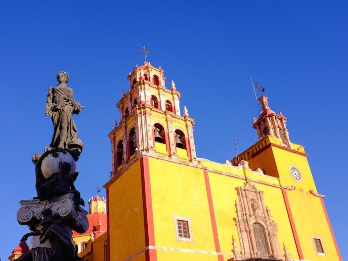 Yellow church guanajuato