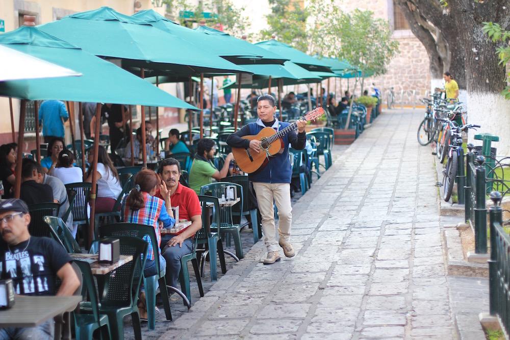 Morelia street performer