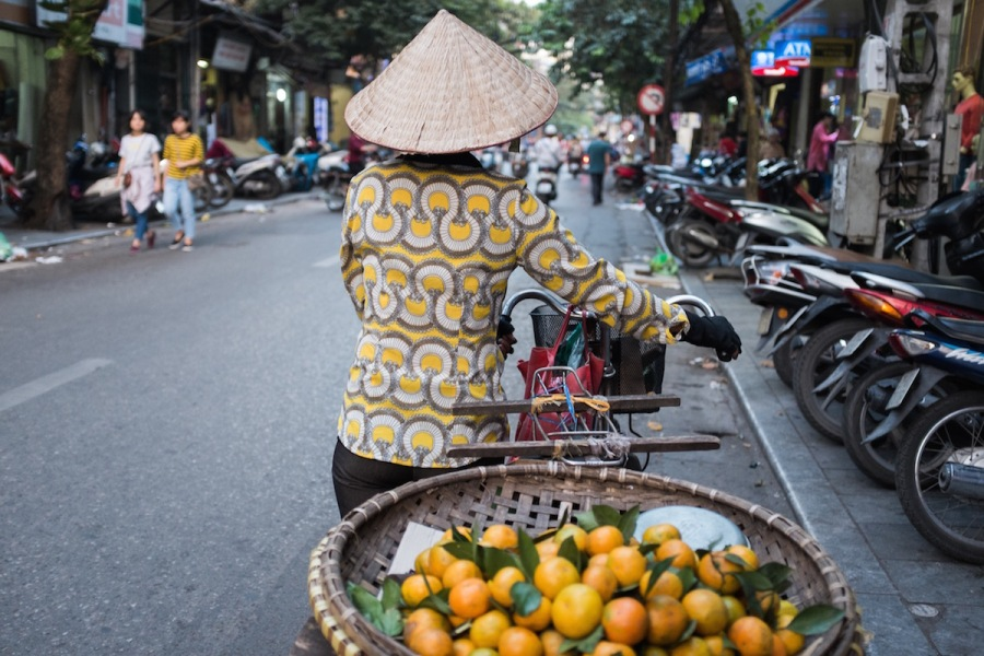 Orange vendor in Hanoi