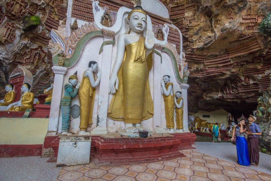 statues in Kawgun Cave.