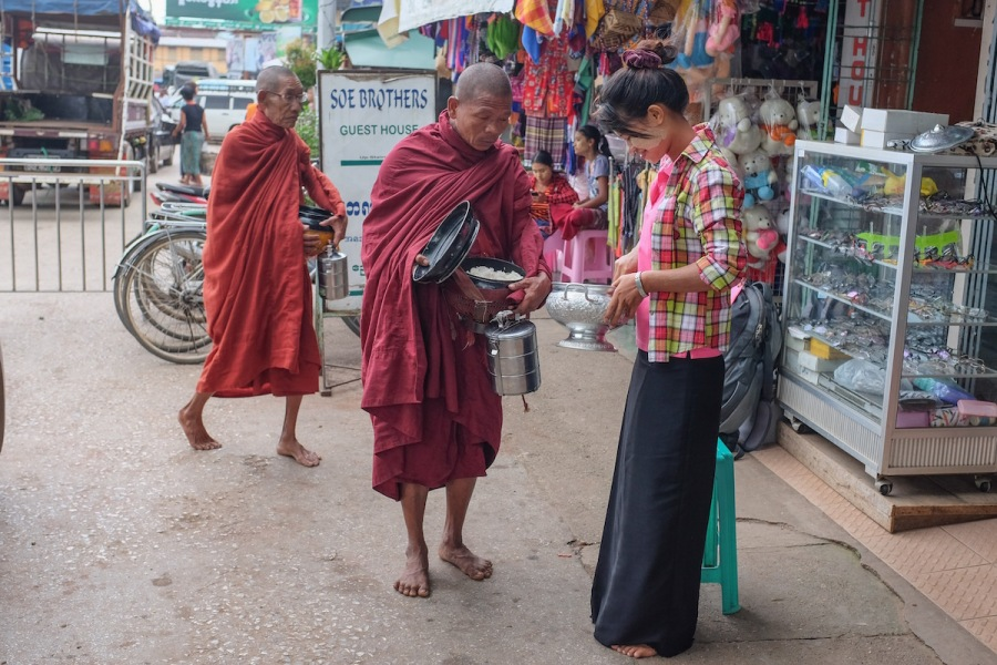 hpa-an-monks