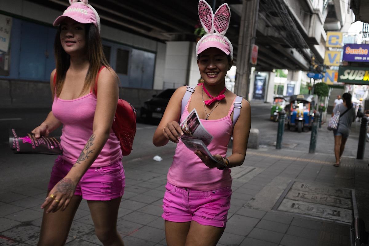 Bangkok pink girl
