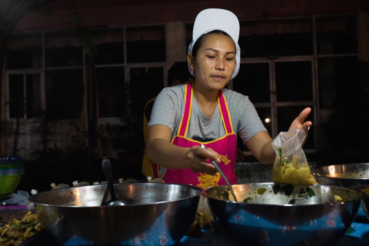 Wat Thepleela market