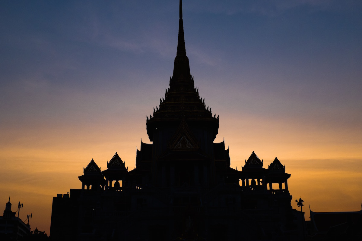 Wat Traimit at sunset.
