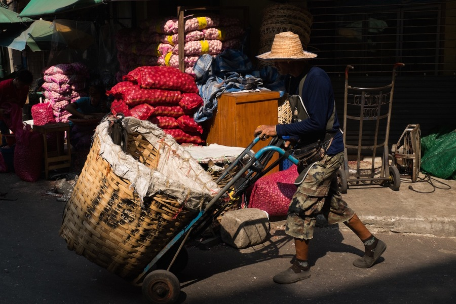 Yodpiman Flower Market