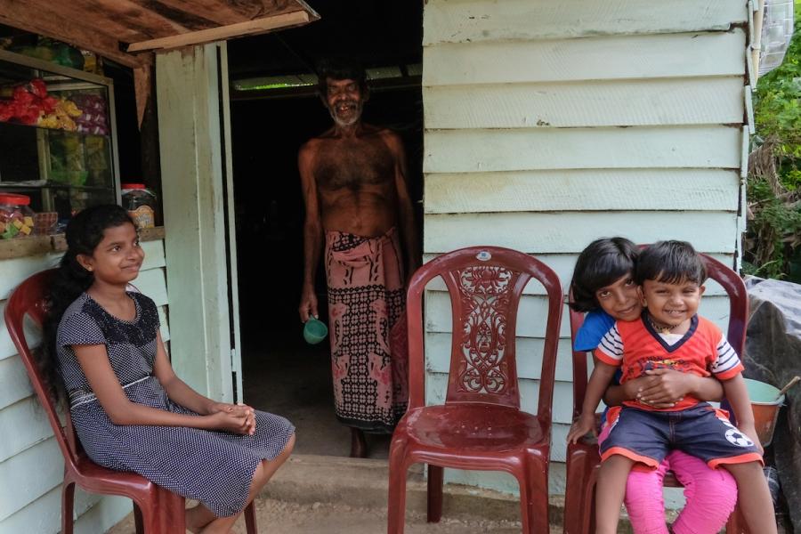 Sri Lanka family