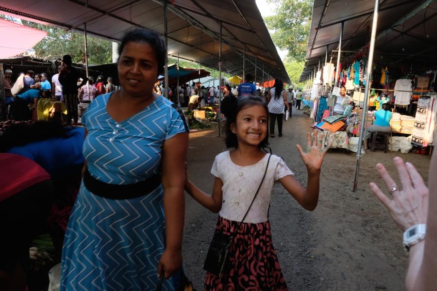 Sri Lanka people smiling