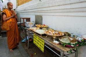 Sri Bodhi offering