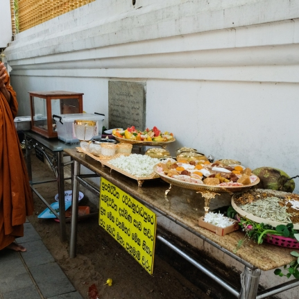 Sri Bodhi offering