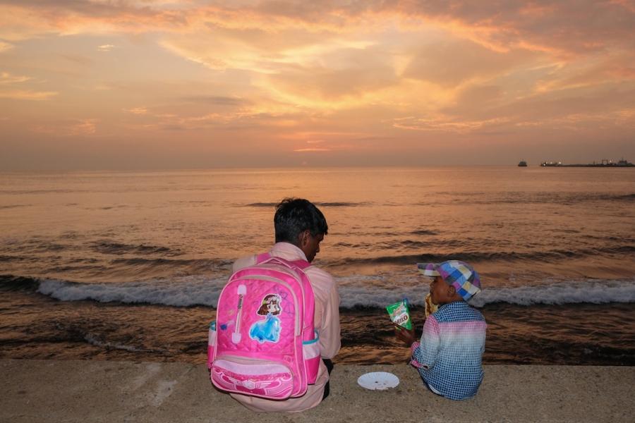 Colombo sunset street photo