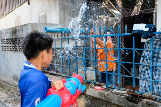 Water fight songkran