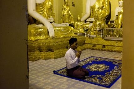 Shwedagon street photography Buddha