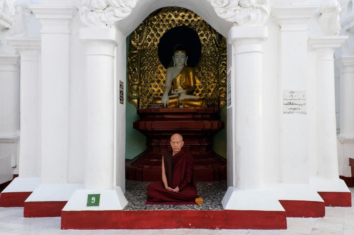 Shwedagon street photography Monk