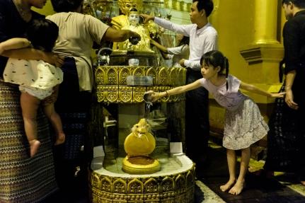 Shwedagon Pagoda street photography1