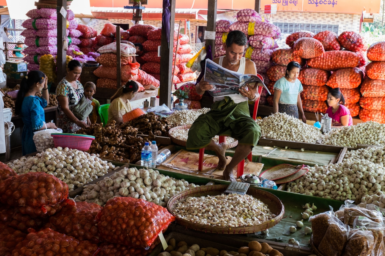 Yangon Street Photography Market