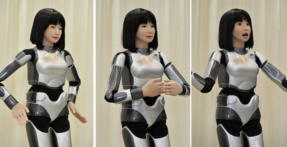 afplivetwo815184-JAPAN-ROBOT