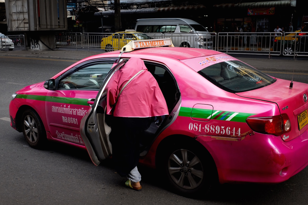 bangkok-street-photography-pink11