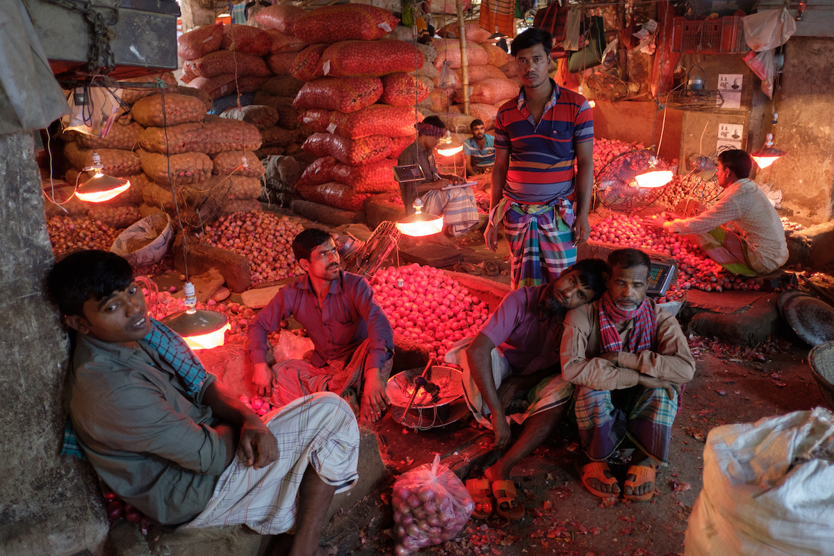 Dhaka Market Red